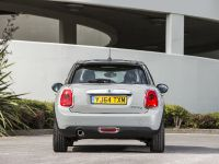 2014 MINI Cooper 5-Door Hatchback, 14 of 27