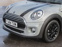 2014 MINI Cooper 5-Door Hatchback, 16 of 27