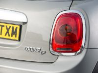 2014 MINI Cooper 5-Door Hatchback, 17 of 27