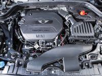 2014 MINI Cooper 5-Door Hatchback, 20 of 27