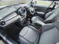 2014 MINI Cooper 5-Door Hatchback, 22 of 27