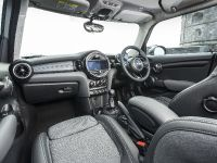 2014 MINI Cooper 5-Door Hatchback, 23 of 27