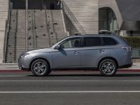 2014 Mitsubishi Outlander , 4 of 22