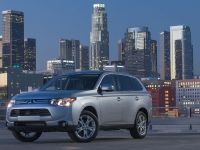 2014 Mitsubishi Outlander , 5 of 22
