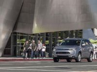 2014 Mitsubishi Outlander , 7 of 22
