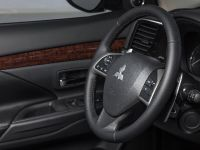 2014 Mitsubishi Outlander , 11 of 22