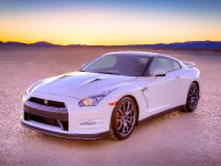 2014 Nissan GT-R, 3 of 13