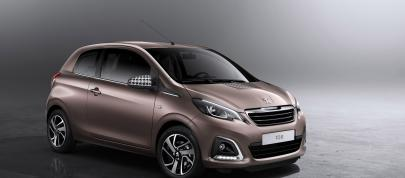 Peugeot 108 (2014) - picture 7 of 10