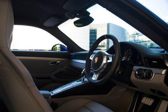 Porsche 911 Carrera 4S Facebook 5M