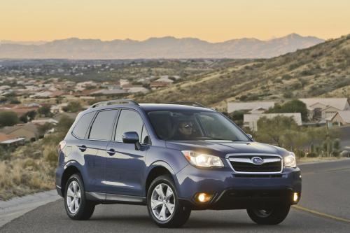 2014 Subaru Forester первого автомобиля до туза безопасности IIHS тест [видео]