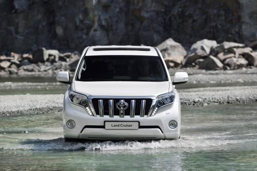 Toyota представила обновленный 2014 LandCruiser Prado [видео]