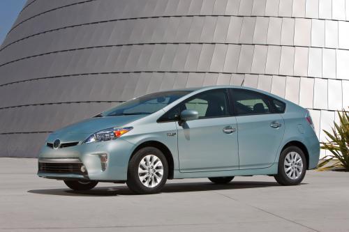 2014 Тойота Приус - Цена $29,990