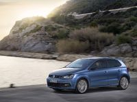 2014 Volkswagen CrossPolo, Polo BlueMotion and BlueGT, 4 of 5