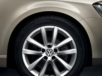 2014 Volkswagen Passat Executive Style, 2 of 3