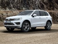 2014 Volkswagen Touareg Facelift, 1 of 2