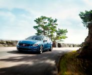 thumbnail image of 2014 Volvo V60 Plug-in Hybrid R-Design