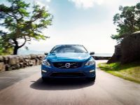 2014 Volvo V60 Plug-in Hybrid R-Design, 2 of 10
