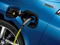 2014 Volvo V60 Plug-in Hybrid R-Design, 9 of 10