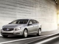 2014 Volvo V60 Sportwagon, 2 of 6