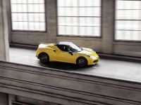 2015 Alfa Romeo 4C Spider, 3 of 12