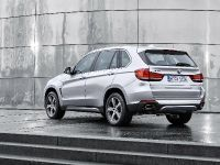 2015 BMW X5 xDrive40e, 18 of 32