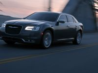 2015 Chrysler 300, 2 of 8