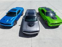 2015 Dodge Challenger, 2 of 32