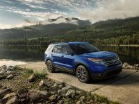 2015 Ford Explorer XLT, 2 of 3