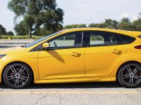 2015 Ford Focus ST with Ford Performance Mountune Kit, 2 of 8