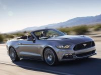 2015 Ford Mustang Convertible, 1 of 9