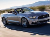 2015 Ford Mustang Convertible, 2 of 9