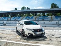2015 Honda Civic Type R at famous race tracks , 7 of 19