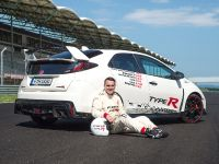 2015 Honda Civic Type R at famous race tracks , 14 of 19