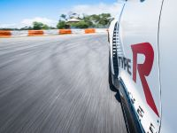 2015 Honda Civic Type R at famous race tracks , 16 of 19