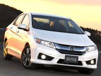 2015 Honda Grace Hybrid, 2 of 29