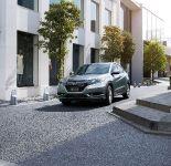 thumbnail image of 2015 Honda Vezel Hybrid