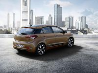 2015 Hyundai i20 , 2 of 3