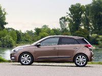 2015 Hyundai New Generation i20, 2 of 20