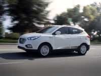 2015 Hyundai Tucson Fuel Cell , 2 of 3