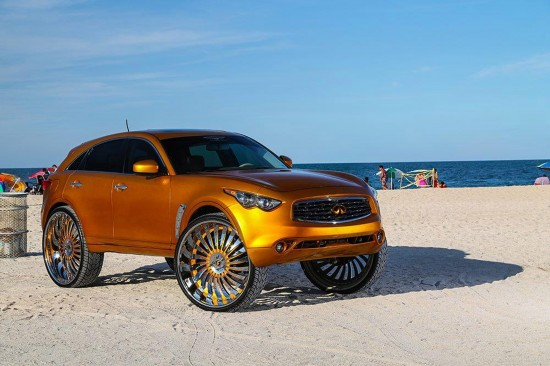 Infiniti FX with 32-inch wheels