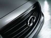 2015 Infiniti QX70S Design, 2 of 5
