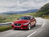 2015 Jaguar XE, 3 of 4