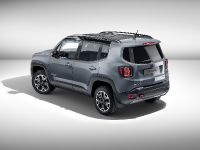 2015 Jeep Renegade Trailhawk by Mopar , 2 of 9