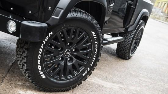 Kahn Land Rover Defender Chelsea Wide Track Edition