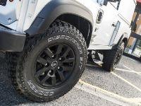 2015 Kahn Land Rover Defender Hard Top CWT , 3 of 5