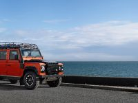 2015 Land Rover Defender Adventure, 1 of 7