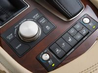 2015 Lexus LS , 16 of 31