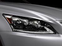 2015 Lexus LS , 28 of 31