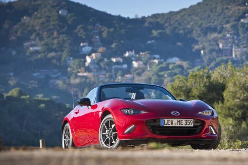 Все-новая Mazda МХ-5 Переопределяет Опыт вождения