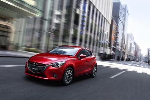 Же Mazda2 2015 Официально Представила